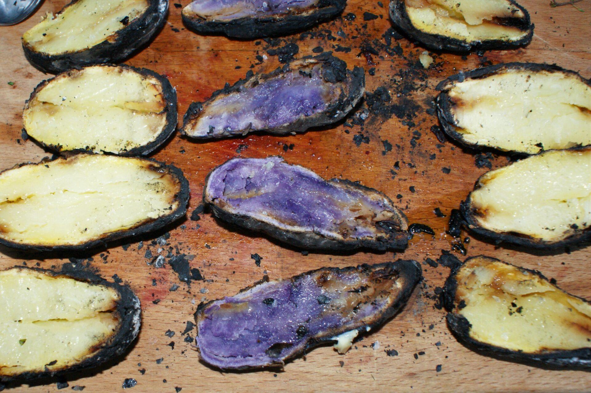 Kartoffeln – Im Feuer kochen
